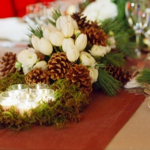 Merry-and-Bright-Christmas-Wedding-Centerpieces_28