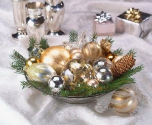 Merry-and-Bright-Christmas-Wedding-Centerpieces_50
