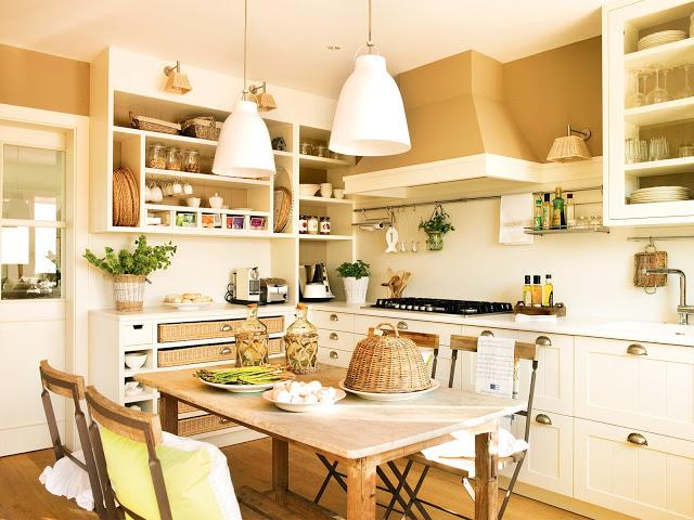 cocina-blanca-con-pintura-arena-y-office-central_-00345330_fef2b13a